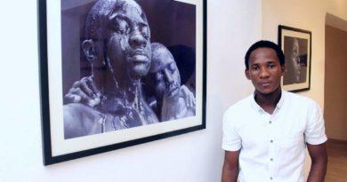 Arte de minúcias: conheça o afro-realismo de Oscar Ukonu